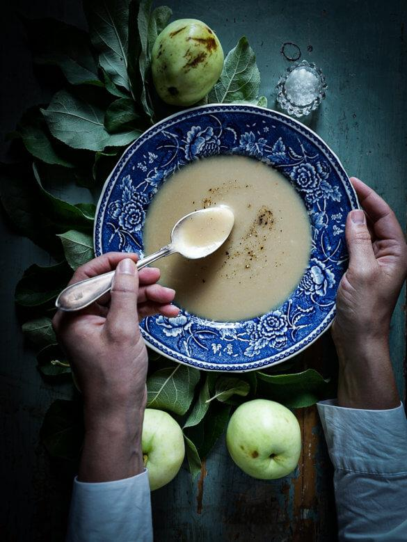 Classic Nordic Food: Apple soup with juniper