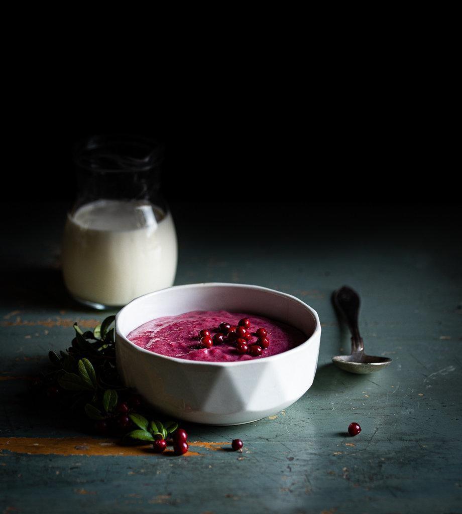 Rye lingonberry porridge