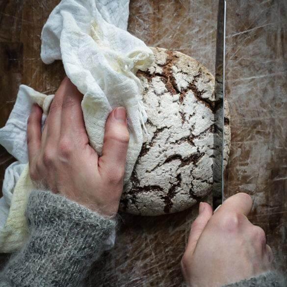 Baking whole grain rye sourdough