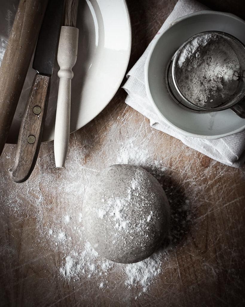 Rye pasty dough for homemade Karelian pies recipe